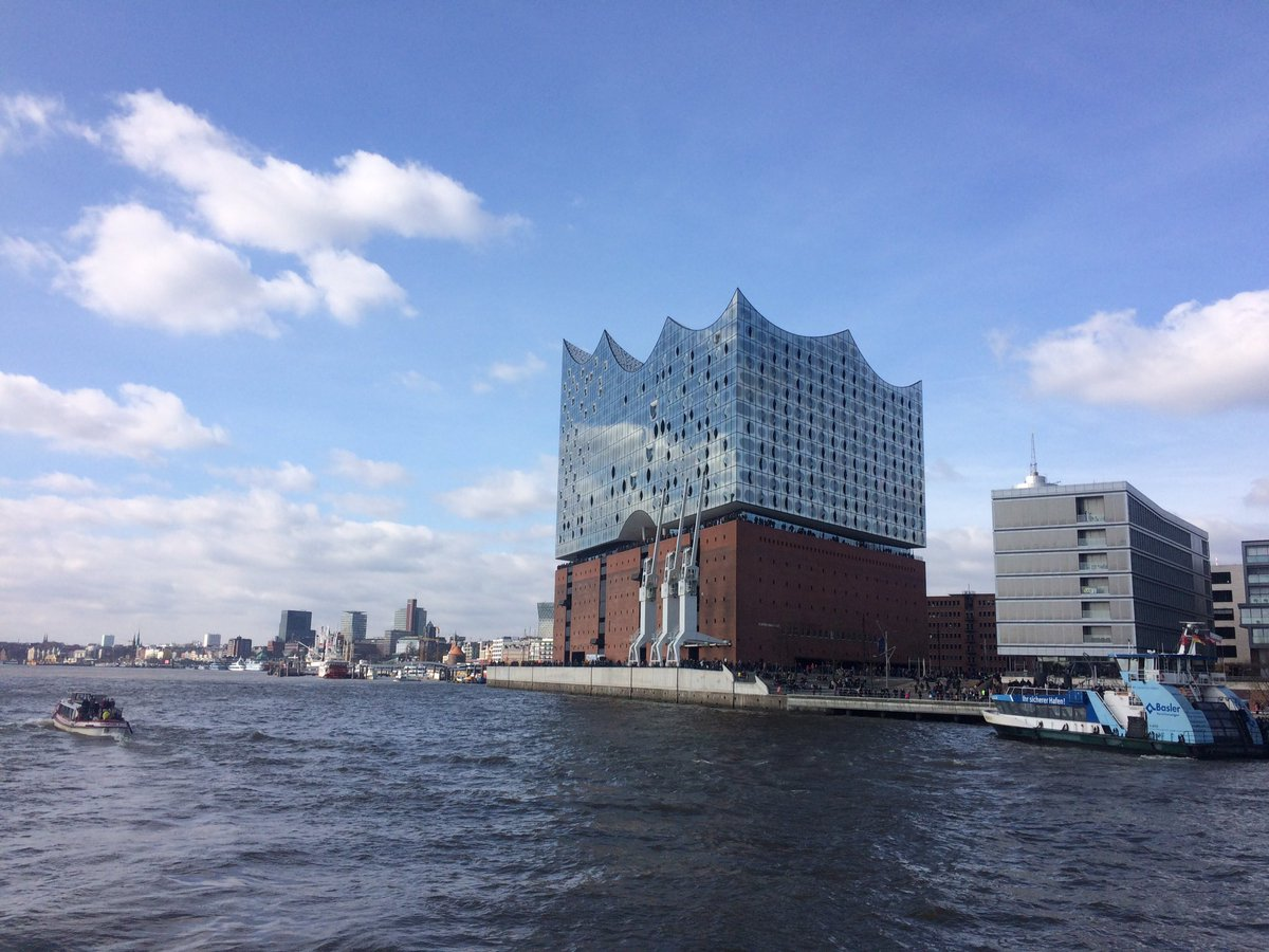 Our 1st good view of the finally-completed #Elbphilharmonie #Hamburg<br>http://pic.twitter.com/rJsn7ICXJU
