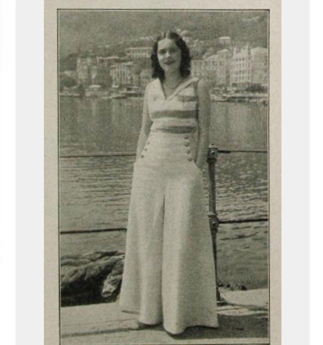 9ca6d2de8 Sailor Pants وهي بناطيل بخصر عالي مع أزرار على الجانبين وكانت دارجة في  الثلاثينات 30s ومشهورين يلبسها البحّارةpic.twitter.com/v2lwwtIKw4. 12:32 PM  - 25 Mar ...