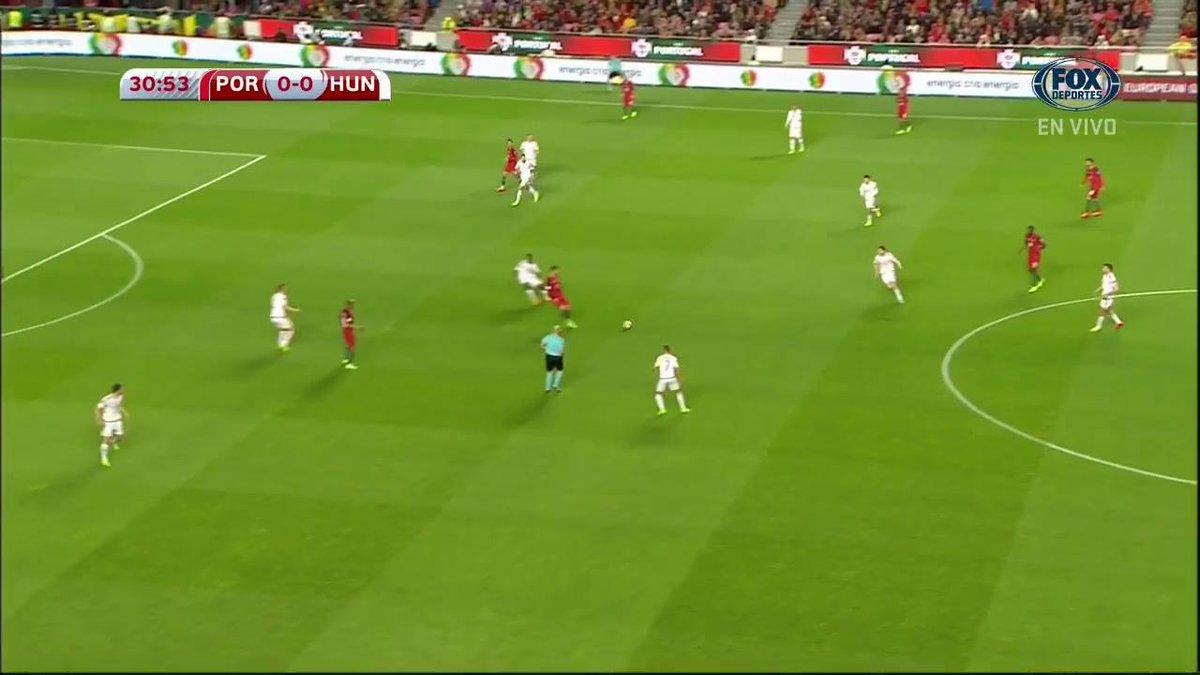 André Silva ya hace el primero para #Portugal frente a #Hungria. #Euro...