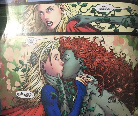 Miriam On Twitter Poison Ivy Was Supergirl S First Kiss
