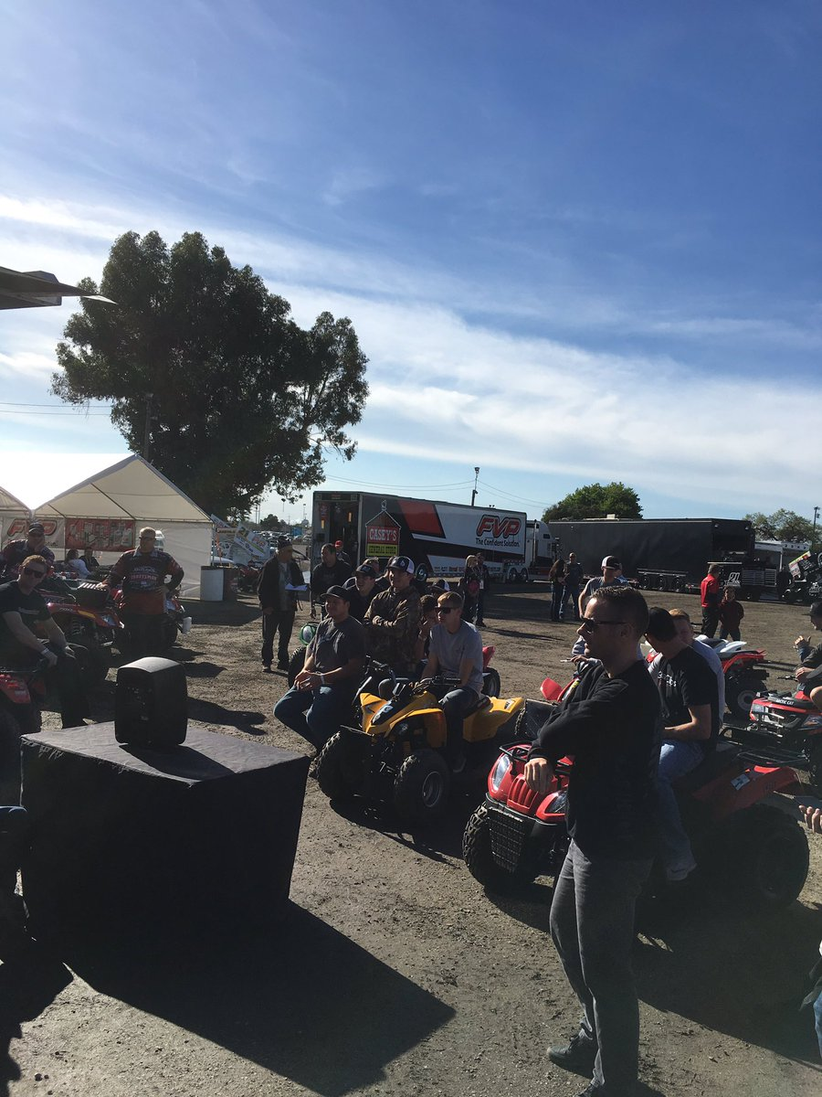 Drivers meeting is underway @StocktonDirt #WoOCraftSCS https://t.co/VM...