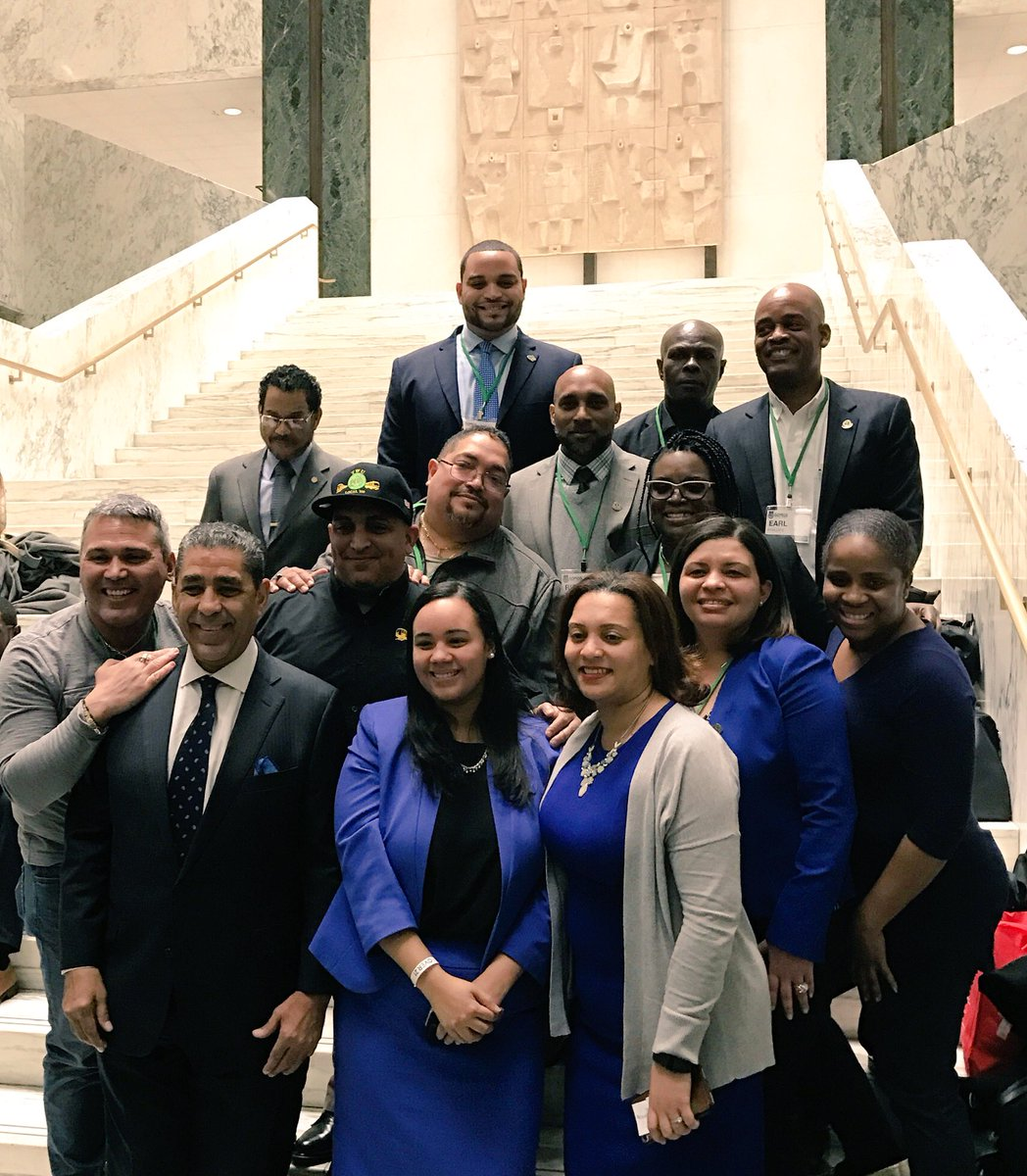 @TWULocal100 with @RepEspaillat @NY31Alcantara @CnDelarosa @SOMOSNEWYORK #Dominican Reception. #1u <br>http://pic.twitter.com/niqjye999f &ndash; à The Well of the LOB