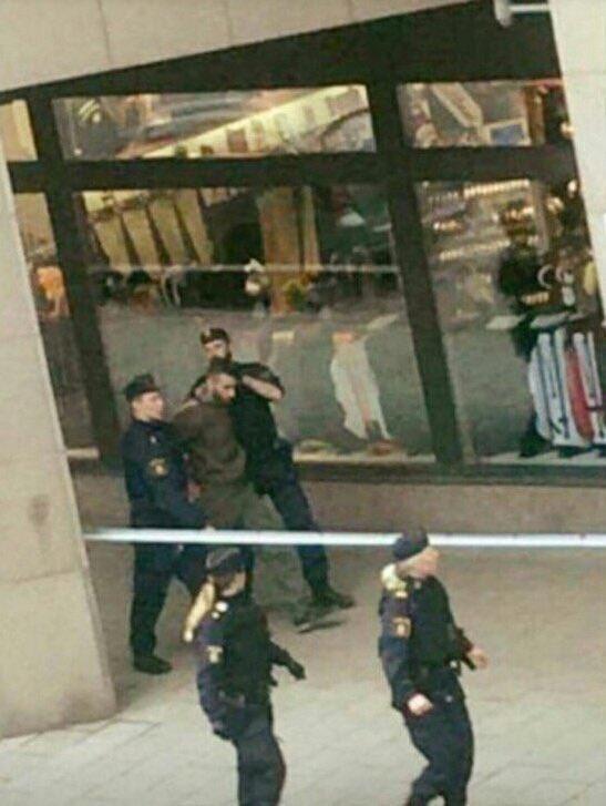Полиция Швеции сообщила о задержании подозреваемого в причастности к теракту в центре столицы - Цензор.НЕТ 11