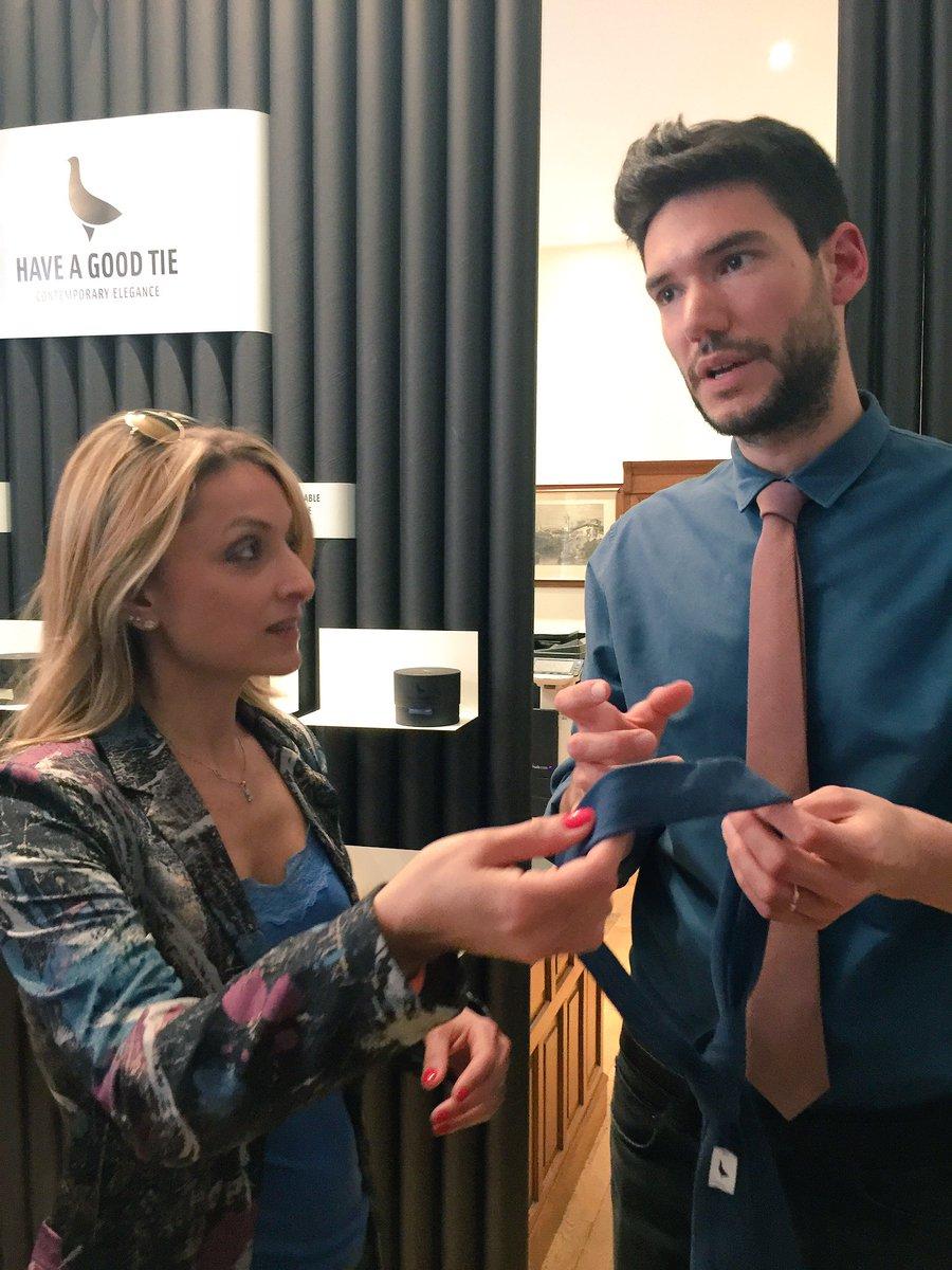 Lui? #AlessandroStabile il creativo di #HaveAGoodTie che mi ha raccontato tuttissimo sulle creazioni della #startup italiana di cravatte! https://t.co/LOFzjBvhsO