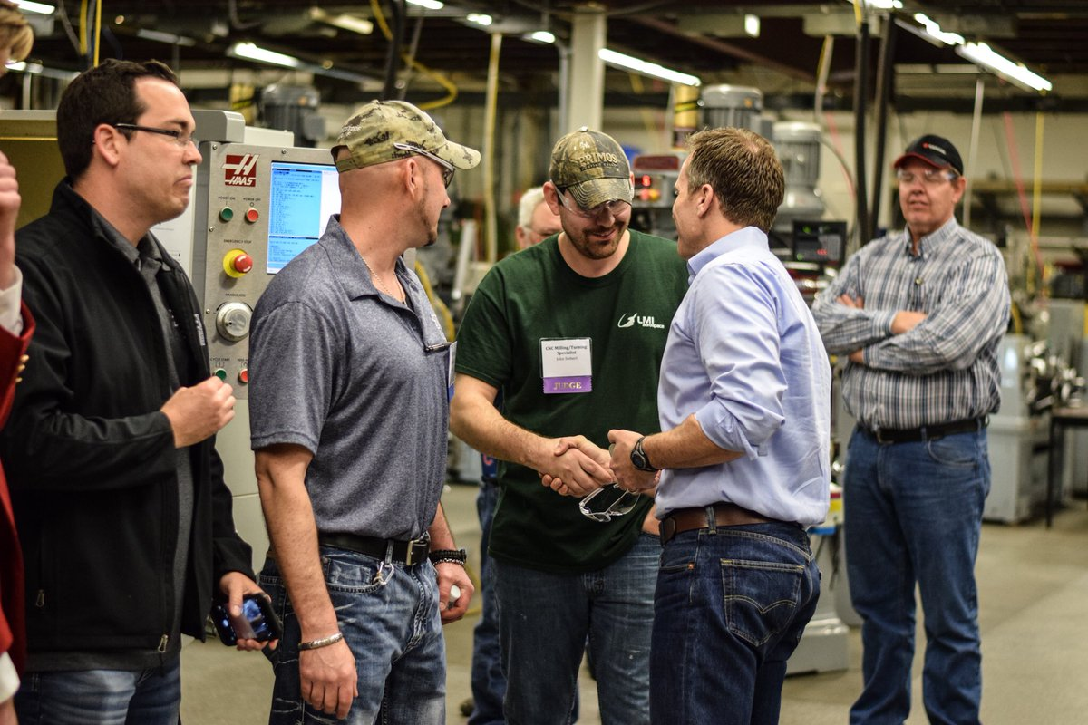 eric greitens ericgreitens twitter fun day at statetechmo where high school students are learning hard work and new trades through skillsusa great work that leads to jobs pic twitter com
