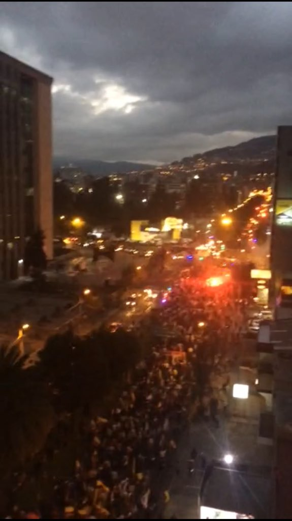 Quito a esta hora. El monstruo se despertó. Ya no tiene miedo. https://t.co/NcvKEGS9N2