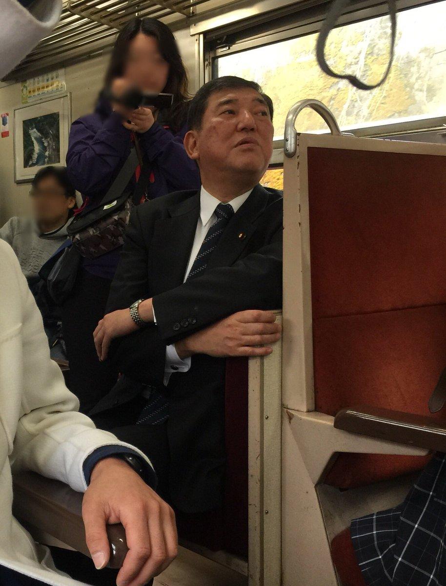 10年ぶりのおくひだ1号乗車(*´▽`*)石破先生も同じ列車に乗られていました。 https://t.co/Rbw9JZXDGH