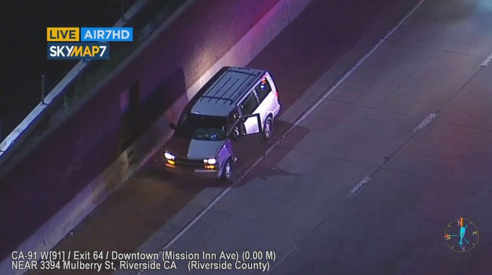 Driver: : Driver pulls over side of 91 Freeway near Mission