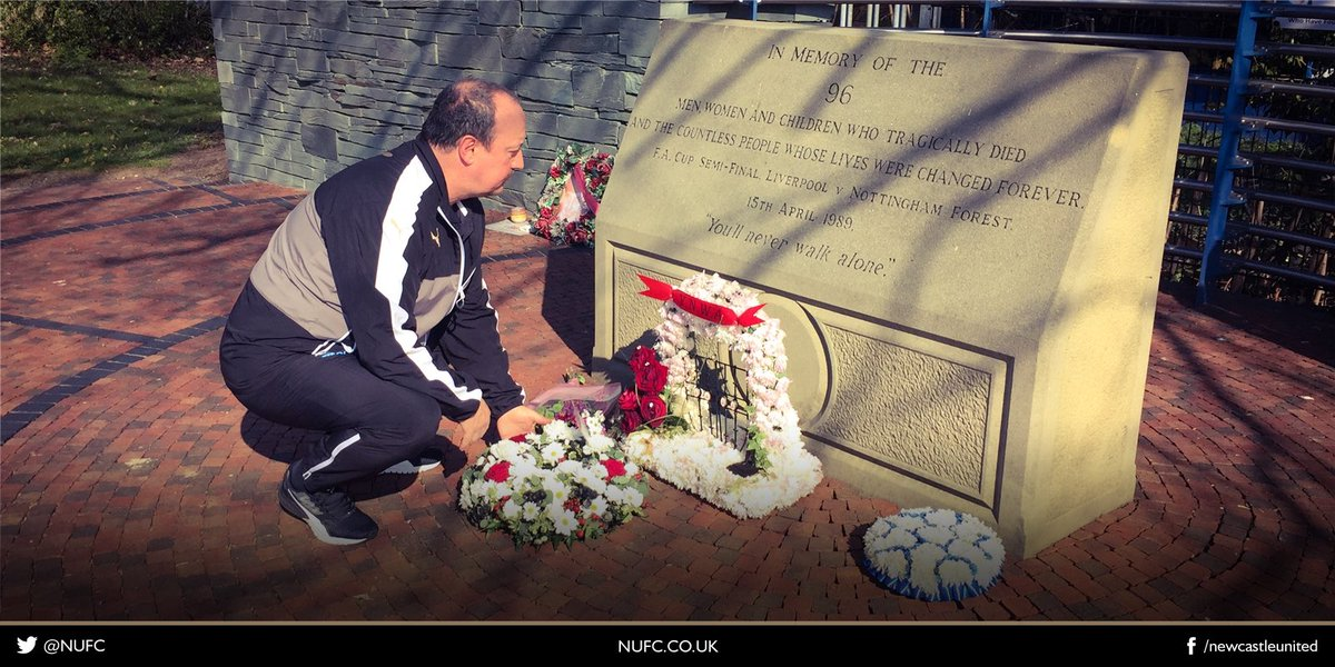 Rafa Benítez has taken time out to lay a wreath at the Hillsborough memorial in Sheffield this morning. #NUFC #LFC