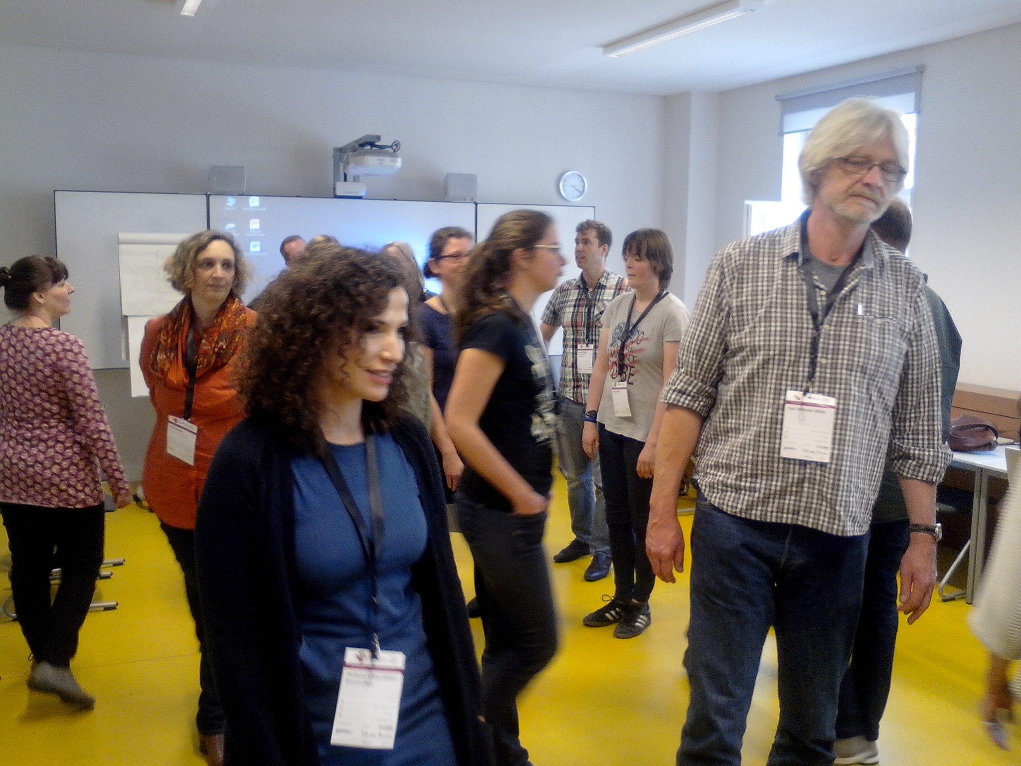 ImproTheater beim #litcampbn17 und alle sind kreativ und spontan. Mit Kreativität #17Ziele #SDGs in Deutschland umsetzen. https://t.co/HcU9St4We7