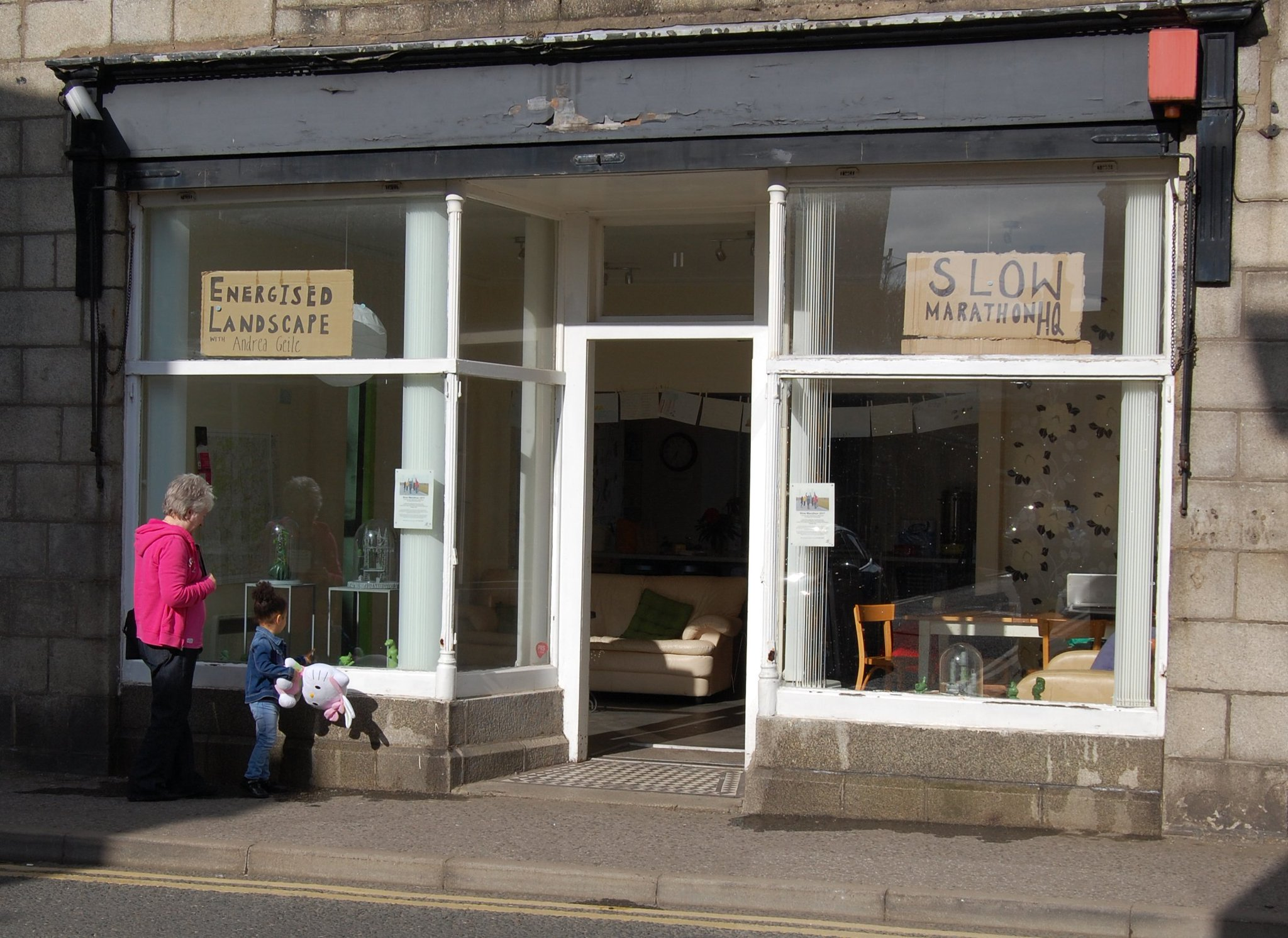 The 'Energised Landscape' pop-up gallery at No11 in Huntly is now open! @DeveronProjects #Scotland #energy #renewable #art #Aberdeenshire https://t.co/BA4wpBeZiT