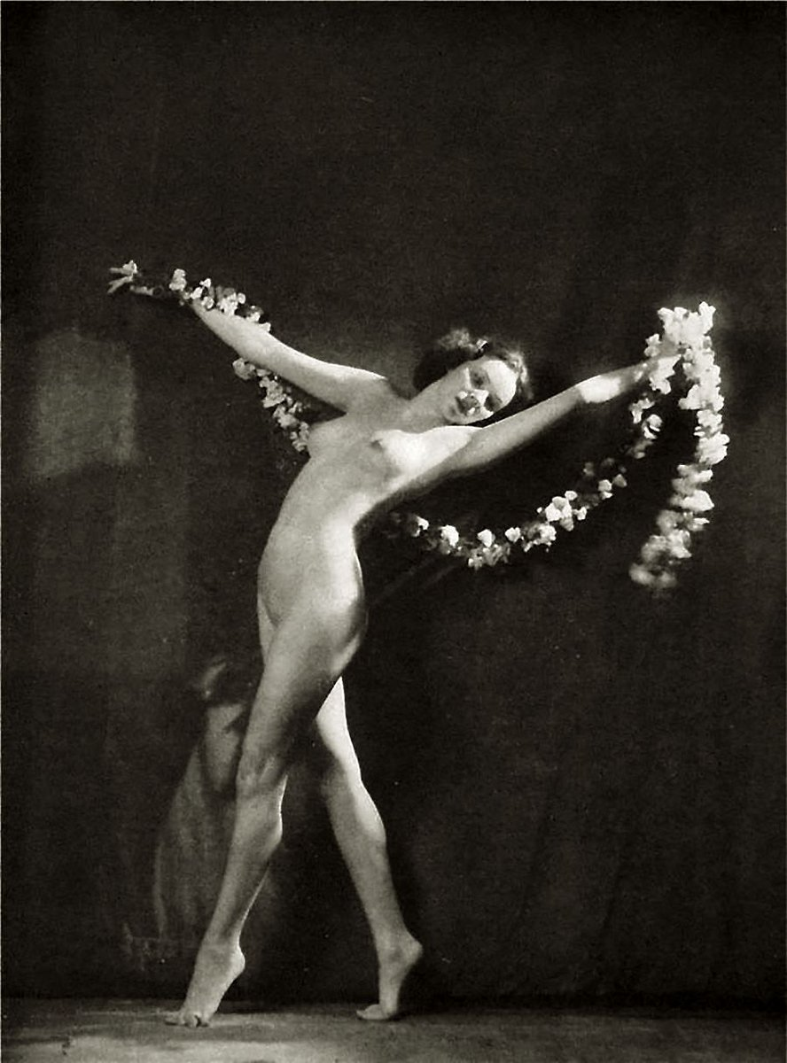 Ziegfeld girls nudes apologise