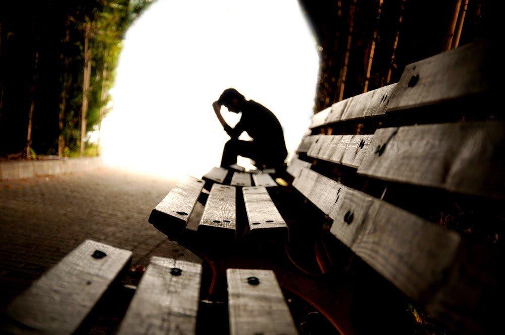 Forum su Internet spingono i giovani al suicidio