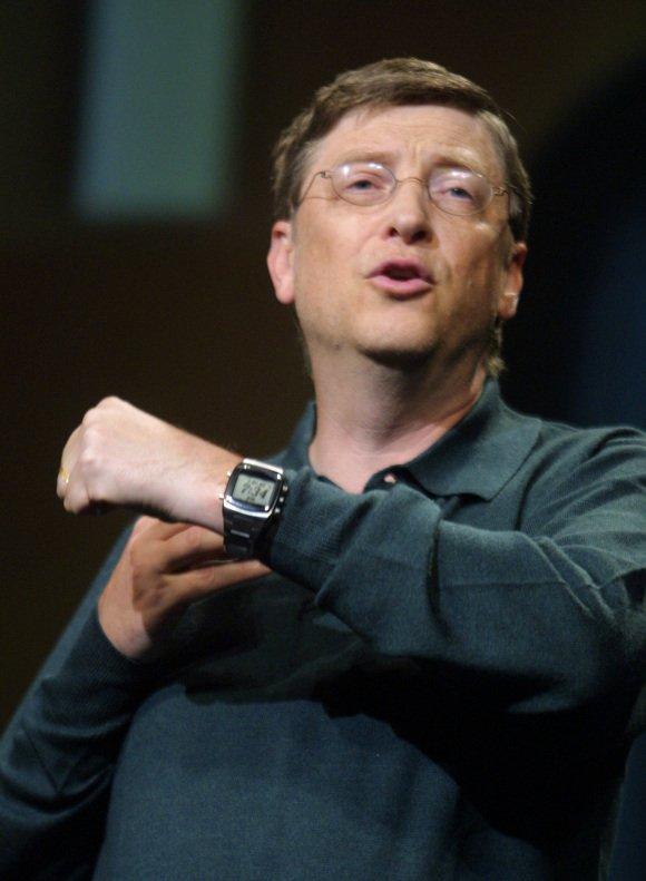 بالأرقام  لن تصدق أسعار الساعات التي يرتديها المشاهير.. أحدهم يرتدي ساعة ثمنها تخطى الملايين 1 24/6/2018 - 7:53 م