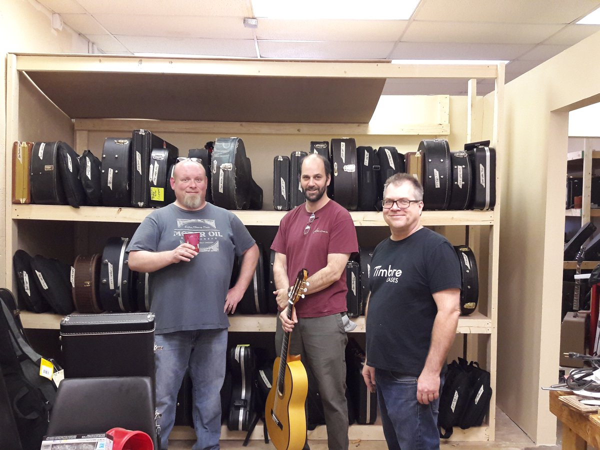 Expert Repair and Service! Over 55 years combined of Guitar Repair and Building! Ted Vig, Corey Keller, &amp; Tim Reede #luthiers #playersstore<br>http://pic.twitter.com/Irvm9a83ko