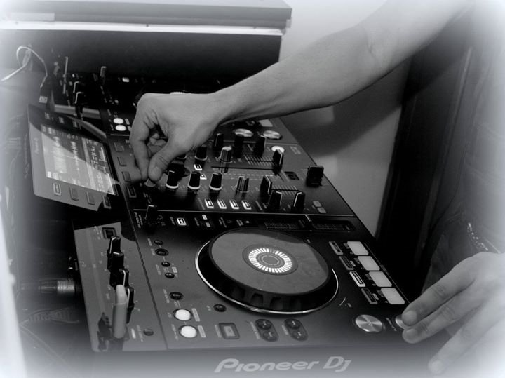 Pioneer Dj #Enjoy #entrainement #set #radio #techhouse #techno<br>http://pic.twitter.com/ldAEtKqPNT