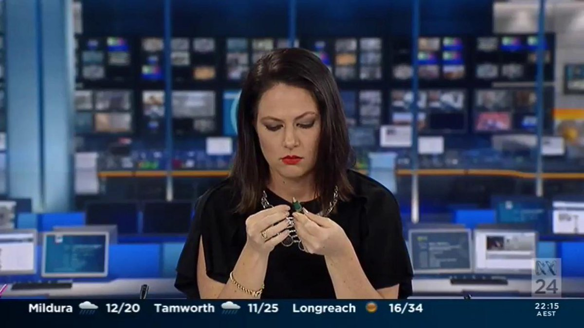 That feeling when you're caught daydreaming at work :) (via @UmmRKSZ ) #mediawatch https://t.co/lRkTbpygfo