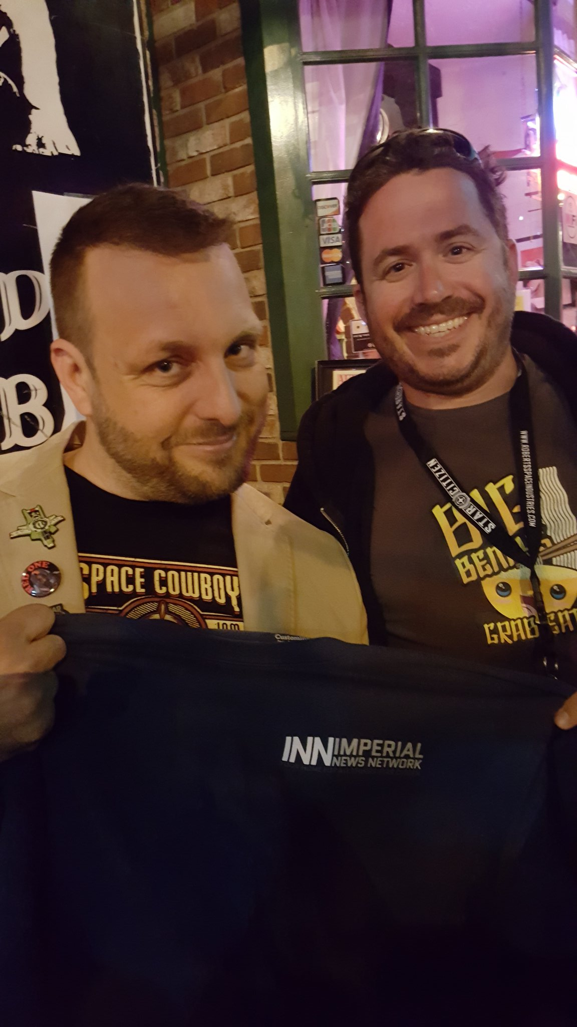 Hanging with @INN_Authentic at the LA #barcitizen @Dicefailure #StarCitizen @RobertsSpaceInd. Glad we could see the local dev's and fans https://t.co/0YV7vyZF9L