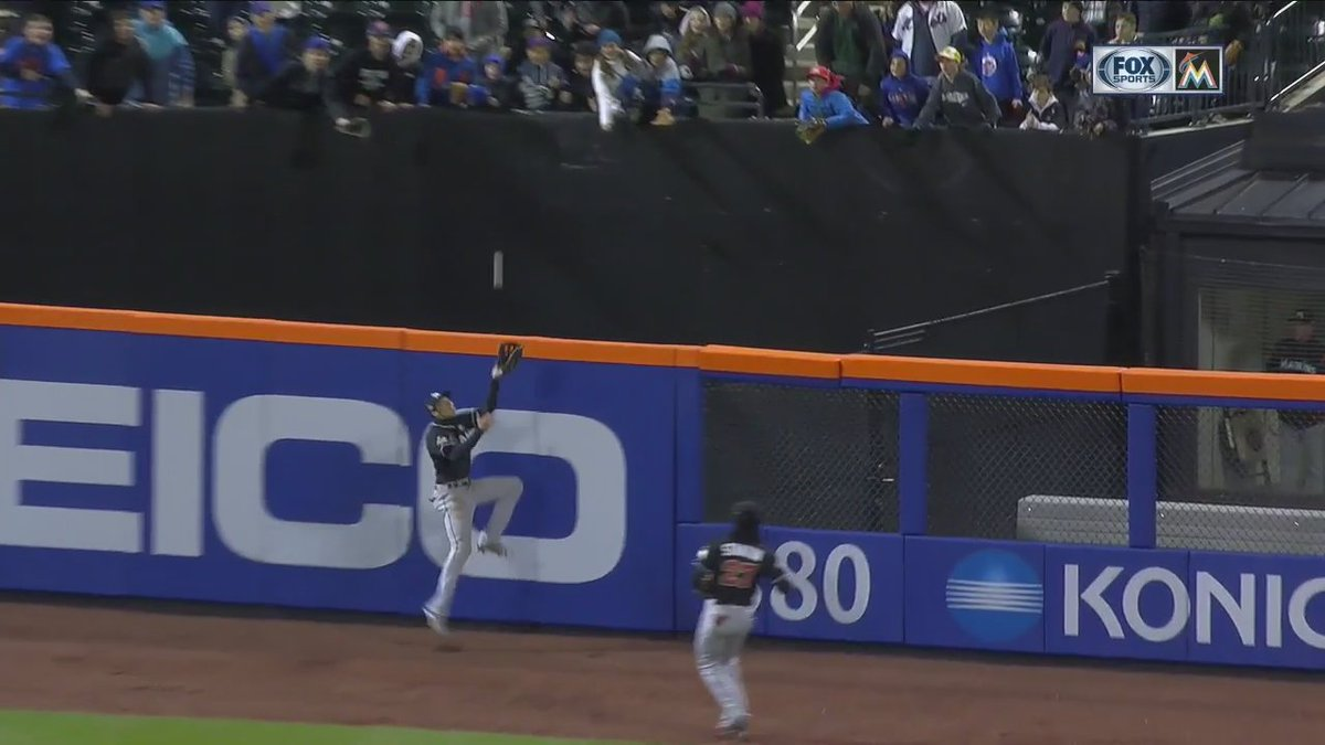 Image result for Christian Yelich catch vs Mets