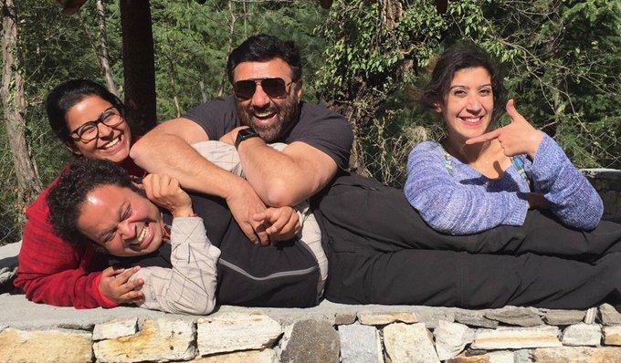 Manali Life!! #fun #life #team #ppdkp #palpaldilkepaas #happy #manali https://t.co/GJb7b4ZITg