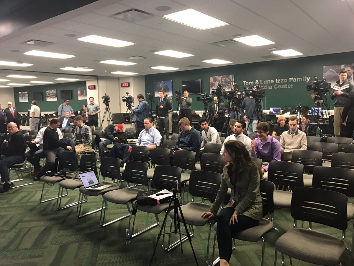 It's filling up for the Mark Dantonio presser. Will be able to watch a...