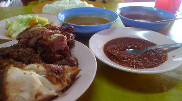 Mira On Twitter 22 Nasi Ayam Goreng Dapur Kayu Jalan Petaling Larkin My Late Atok Actually Brought Me Here For The First Time Quite Nice