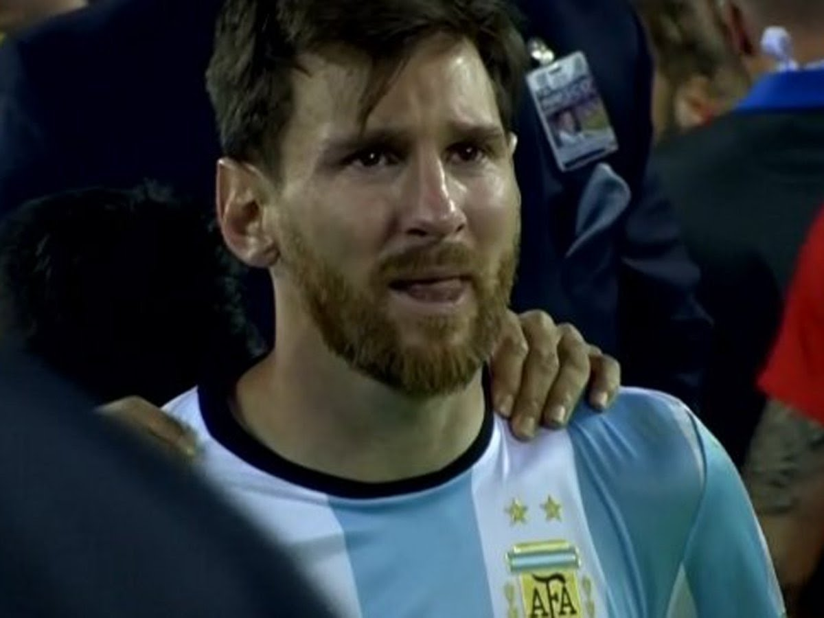 Te enterás de la sanción a Messi y vos tipo... https://t.co/BsYDwjwHk4
