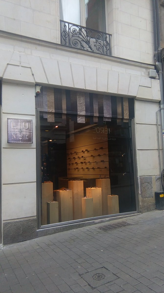 LUNET rue Scribe s&#39;est agrandi. Découvrez 2 espaces dédiés à l&#39;optique : l&#39;un pour l&#39;enfant et l&#39;autre adulte &amp; solaires #nantes #commerce <br>http://pic.twitter.com/hQIMNlVPDA