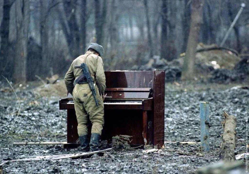 FAIS-MOI DE LA MUSIQUE  #music <br>http://pic.twitter.com/miiz01WMhH
