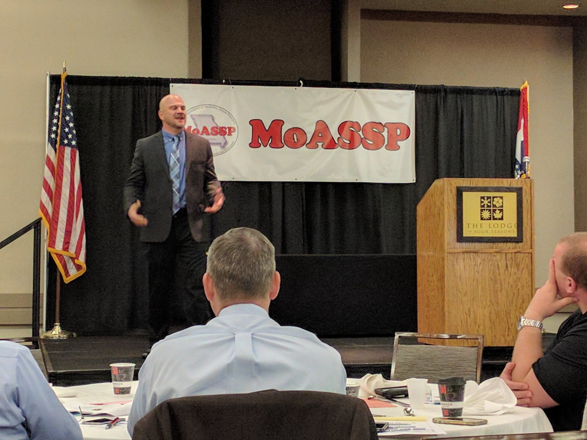 """Amazing has to become your normal"" ~ Les Norman on #ServantLeadership #MoSC17 @MOASSP https://t.co/qh40wkMKhV"