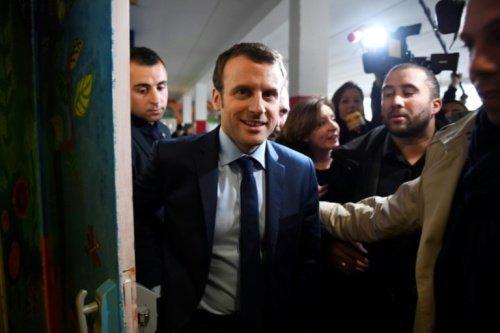 #Macron2017 Conférence de presse #Macron sera diffusée à 15h30 sur @LCI Sur youtube :  https:// youtu.be/7hikaDfp06s  &nbsp;   #LaMajoritéEnMarche<br>http://pic.twitter.com/47IDEB8MpC