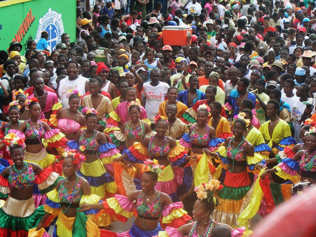 A4: Author @paulclammer loved watching #Jacmel Carnival in #Haiti – an eg of when a small town comes to life!  http:// bit.ly/1E0sP6O  &nbsp;   #TRLT<br>http://pic.twitter.com/wi8ZRVdjn4