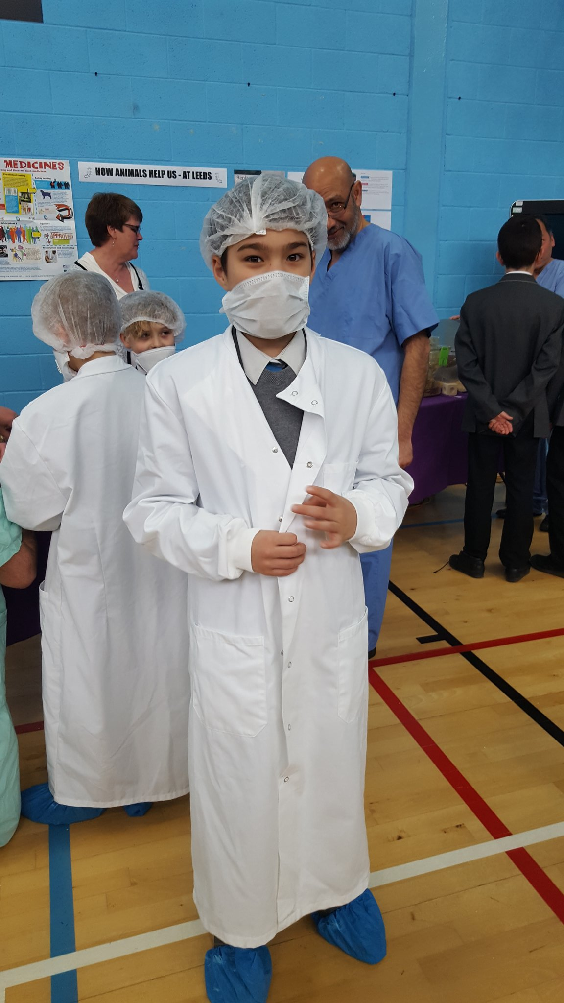 Year 6 scientists at work! #MusicFederation #LFoS17 @STEMatLeeds https://t.co/y3v3doa0NB