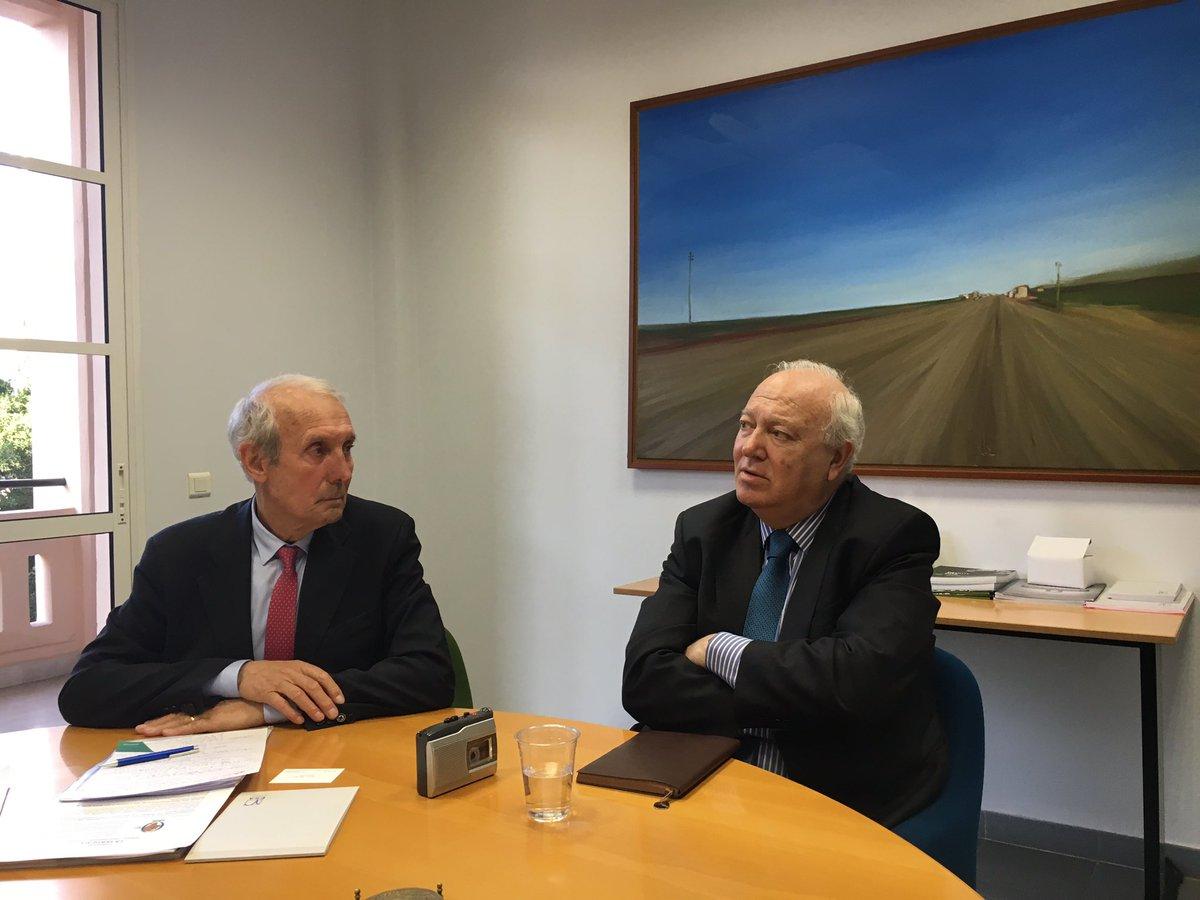 Mediterranean Conference Perpectives from #Lebanon HE Moratinos &amp; M. Guigou @MAMoratinos @JLGuigou @SpainMFA @DelorsInstitute @bazstephanie<br>http://pic.twitter.com/rNxTB41DGz