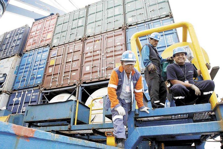 Índices de Cifra de Negocios del #Ine : el sector #transporte y #logística crece en #enero un 7%. Gran noticia para la familia #doyouexport<br>http://pic.twitter.com/fvBisIUI0Z