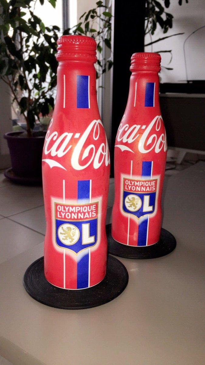 Classe les bouteilles de #cocacola @OL @JM_Aulas @cocacolafr #teamOL <br>http://pic.twitter.com/iMRuxiEc0L