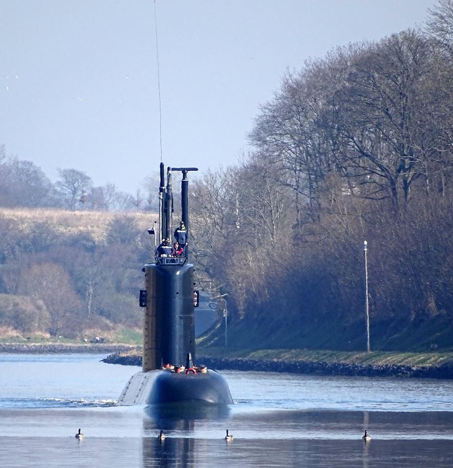 غداً ... رفع العلم المصري علي الغواصة Type 209/1400  وإعلان انضمامها للقوات البحرية المصرية  C8AzLBWWkAA4zAE
