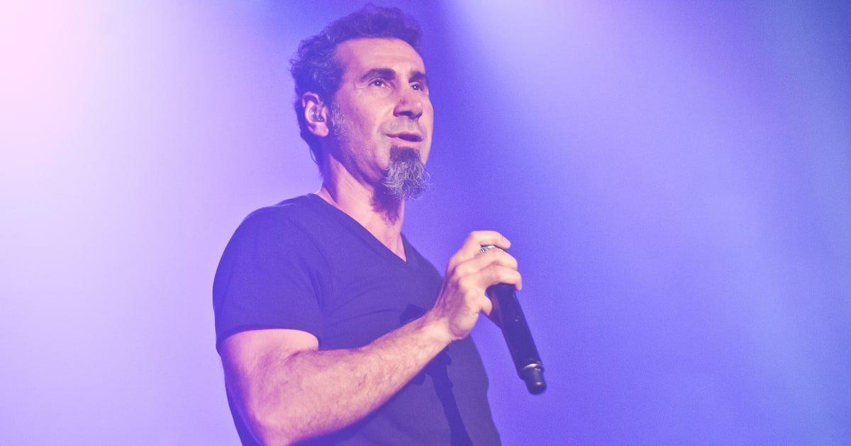See Serj Tankian perform #GameOfThrones'