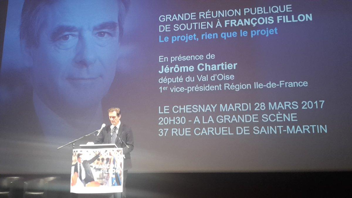 Réunion publique soutien F. #Fillon Rendre sa fierté, sa force à la #France Merci @jechartier d&#39;être @VilleduChesnay ce soir!<br>http://pic.twitter.com/JPrAn1PrFY