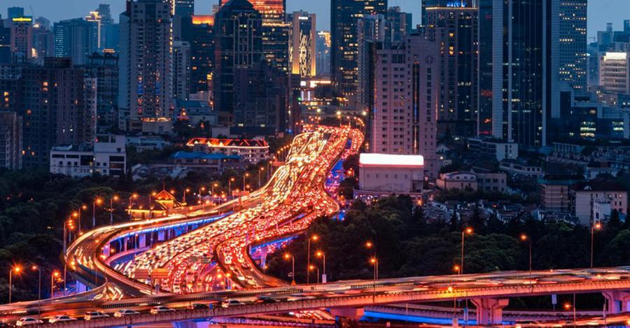 Un nouvel algorithme permet d&#39;éviter les embouteillages dans n&#39;importe quelle mégalopole  https:// limportant.fr/infos-tech/7/3 61019 &nbsp; …  #Tech <br>http://pic.twitter.com/kz5SzcR9FQ
