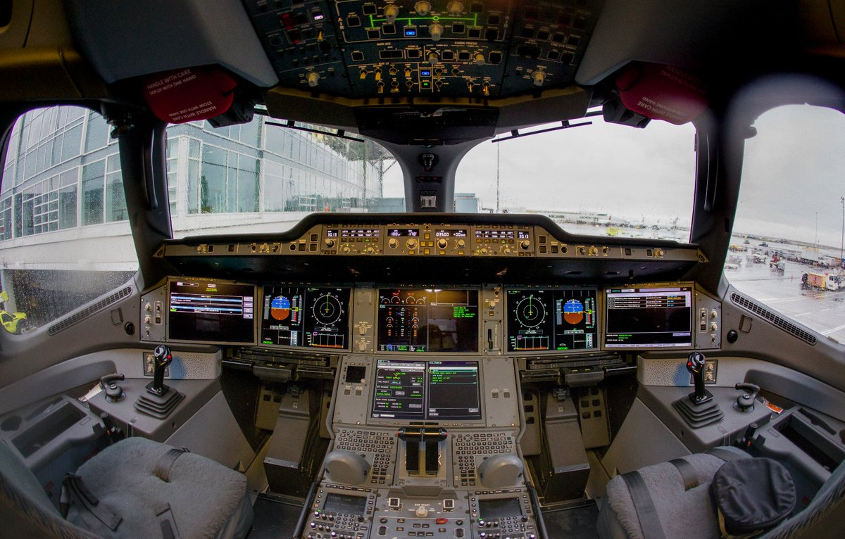 The flight deck of the @cathaypacificCA @Airbus A350. #YVRA350 https:/...