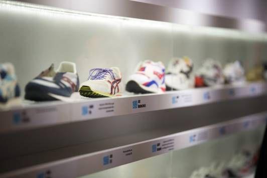 Cette année encore, nous voyagerons à travers l'histoire des chaussures de running !  #running #sneakers #expo<br>http://pic.twitter.com/i9egpipVr3