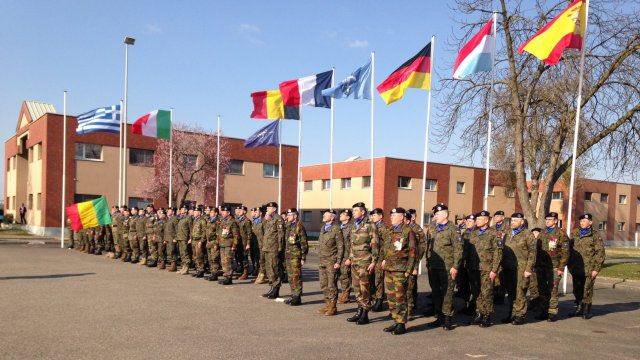 FLASH - La #Pologne va retirer son contingent de l&#39;Eurocorps (UE/OTAN). <br>http://pic.twitter.com/hNkKICqOkT
