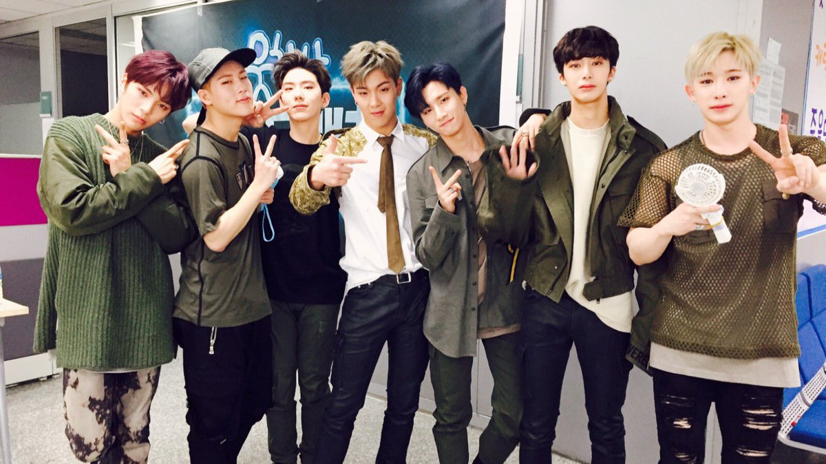 #MONSTA_X Takes Top Spot On Billboard's World Albums Chart https://t.c...