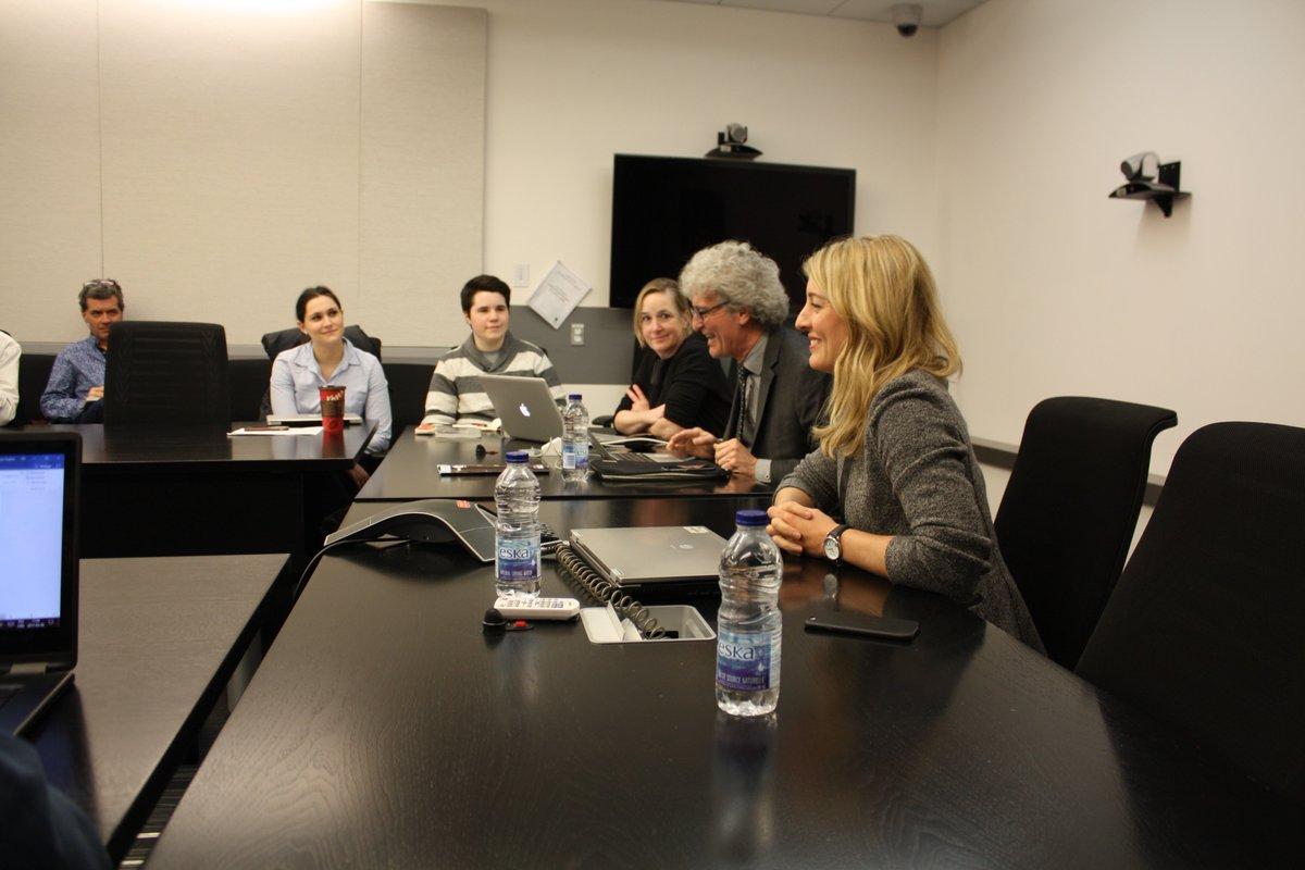 Avec @asaulnier1 à l&#39;@UMontreal pour parler médias &amp; journalisme lors d&#39;une table-ronde #surlenumérique avec les étudiants. #polcan <br>http://pic.twitter.com/tjnHETapzb