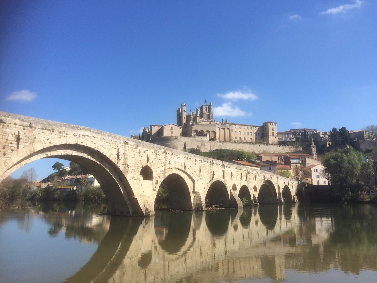 Cathedral Saint Nazaire and Pont Vieux #Beziers #France<br>http://pic.twitter.com/ND2S6MIX30