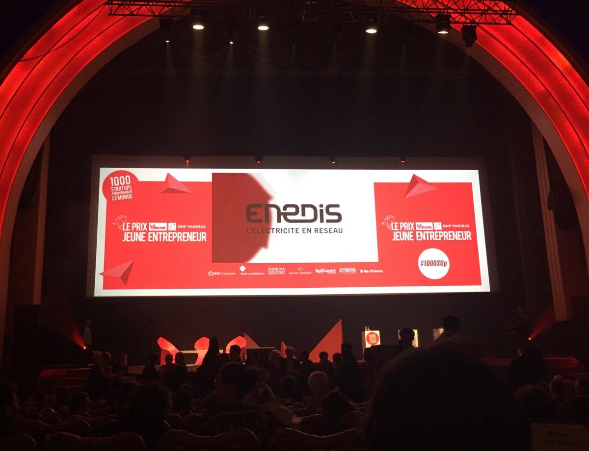 Ce soir remise des prix @LaTribune des entrepreneurs de l&#39;année #1000Sup : Enedis remet le prix de la catégorie #start <br>http://pic.twitter.com/iKhqx8UKLC