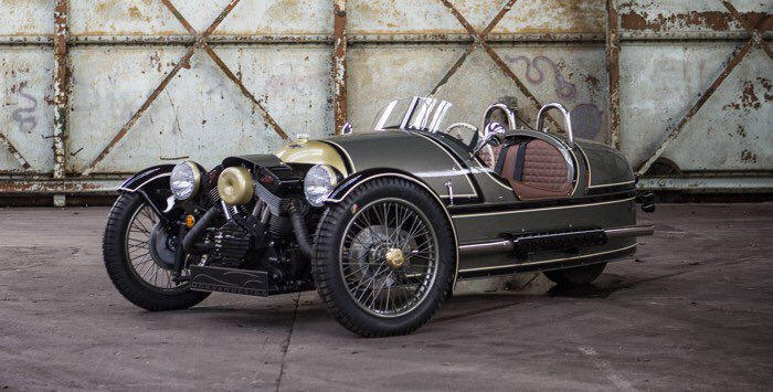 Buy a #Morgan if you want the ultimate #brexiteer car. Defiantly clinging to the 30&#39;s in the 21st century.<br>http://pic.twitter.com/qZ2JNfPrBj