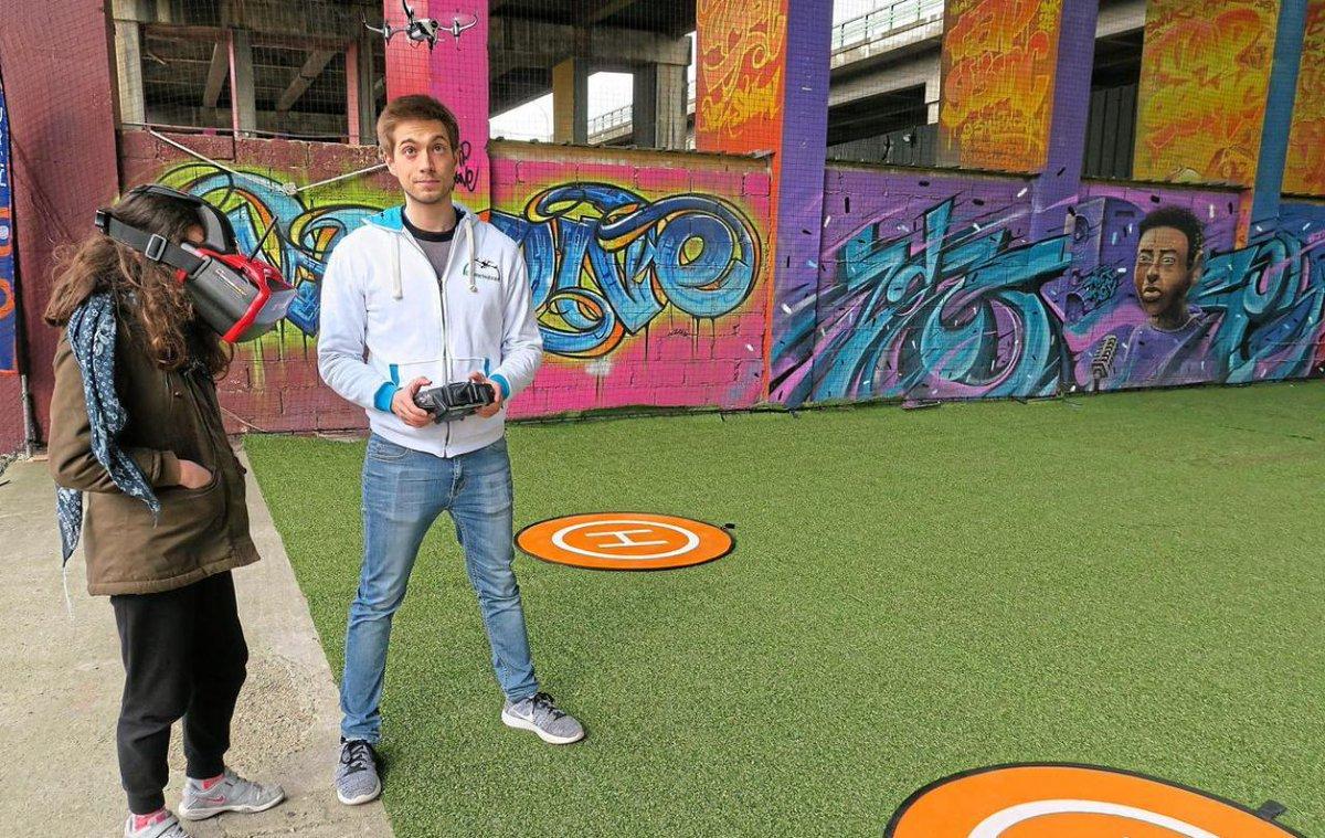 Paris : des endroits sécurisés pour apprendre à piloter un drone  http:// dlvr.it/NlG1Xm  &nbsp;    #tech <br>http://pic.twitter.com/uRW3WMxO9G