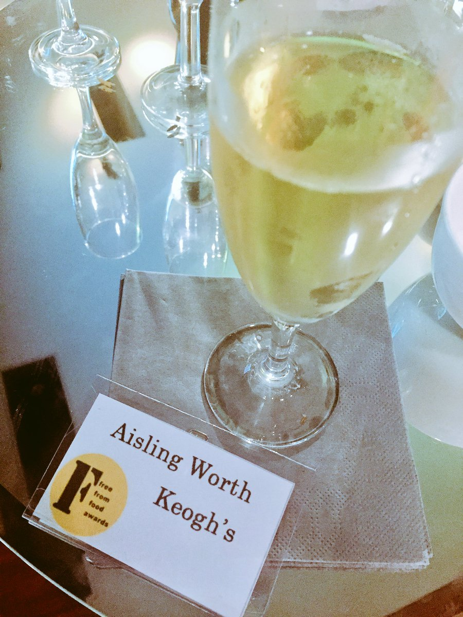 It's all kicking off at the Free From Awards London 🎉🥂 #FFFA17 https:/...
